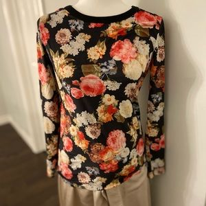 Pink Martini Long sleeve floral top